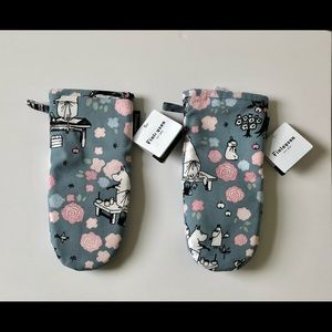 FINLAYSON MOOMINMAMMA DREAMING OVEN MITTS.S/2.NEW